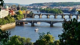 praha bridges-3427270_1920