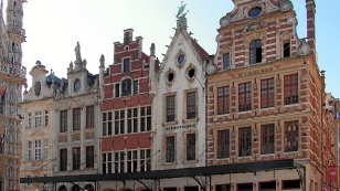 1280px-Leuven-Grote-Markt